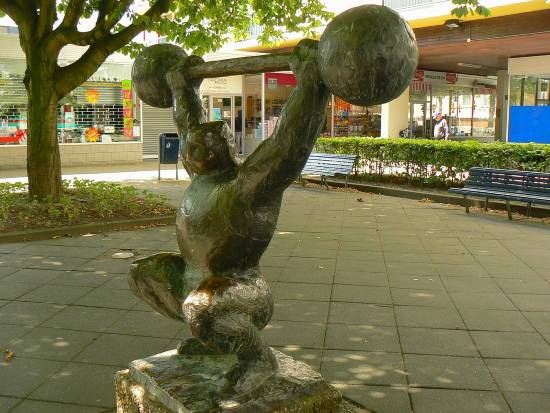 Olympic Weighlifter Statue in Amsterdam